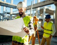 picture-of-construction-engineer-working-on-H9N5ZRT